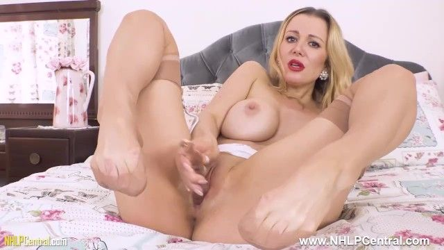Pantyless in nylons garters massive zeppelins blond milf lucy alexandra copulates glass sex toy toy