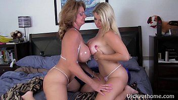 Large titty milfs vicky vette deauxmalive receive off live