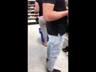 Candid lalin girl milf large butt in leggings