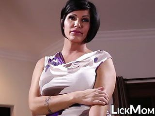 Dyke stepdaughter duett fingered by face sitting milf