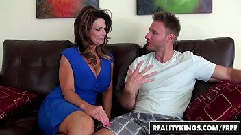 Realitykings - milf hunter - deauxma levi specie - vacation cooch