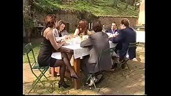 Verheirateter Milf-Betrüger in der Küche - für größere Mengen - www.goldencrownstore.com