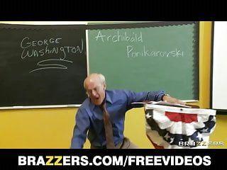 Brazzers - mükemmel pantoons ile İsveçli altın saçlı eğitimini bonks