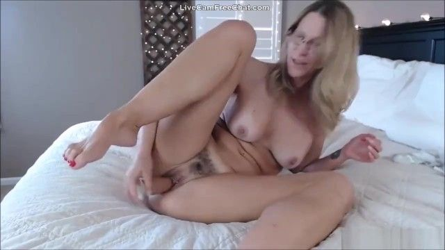 Sexy mature older woman i wold love to fuck