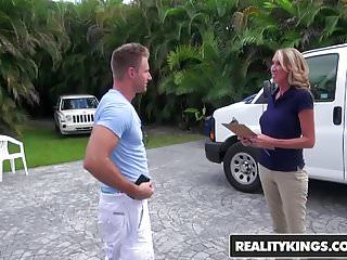 Realitykings - milf hunter - specific rate starring brynn hun