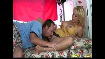 Battle for a-hole with tina - milf hunter
