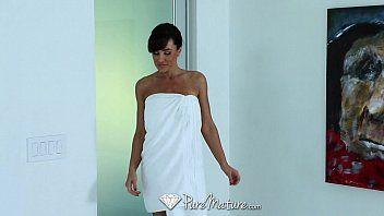 Puremature - career woman lisa ann unwind with hawt massage