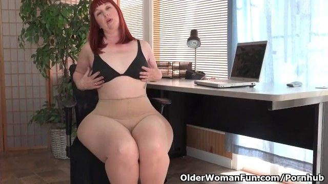 American Milf Scarlett erweitert ihre Donnerer Hämme