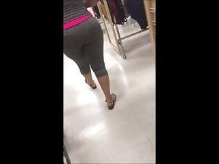 Giant a-hole candid latin babe cuban milf in leggings